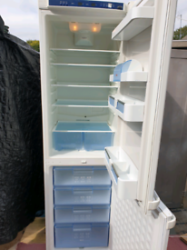 Like new Bosch 200cm tall frost free fridge freezer, spotless.Delivery