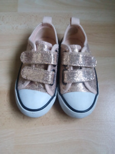 Toddler H&M shoes size 7.5
