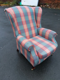 Armchair - Quality Extra Comfy Parker Knoll Checkered Fabric Armchair