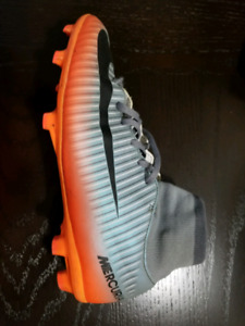 Cristiano Ronaldo CR7 Youth Soccer Cleats - size 4 and size 5