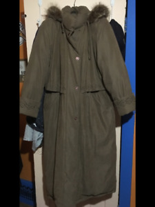 Woman's downfilled coat