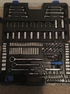 Mastercraft 184 piece socket set w/ bonus 10 piece E-torx set