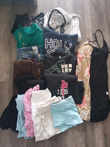 Teen/ladies clothing lot mostly medium