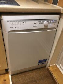 Indesit full size dishwasher