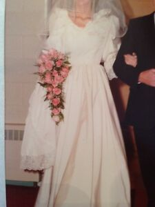 Vintage Wedding Dress - Canadian ILGWU-made 1968-84