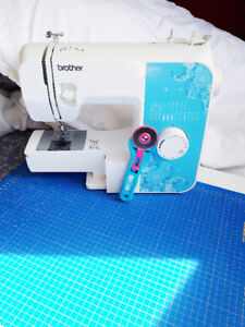 Sewing Machine with Cutting Mat, Rotary Blade and more