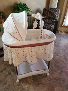 Adorable Bassinet w/Extras