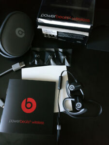 Powerbeats 2 Black and Grey earphones