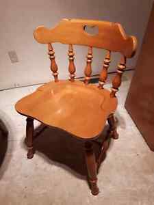 LOOKING FOR 1 OR 2  ROXTON CHAIRS Windsor Region Ontario image 1