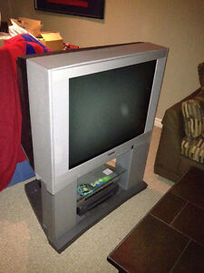 """Toshiba 32"""" TV with Matching Stand:Great Price $49 or best offer"""