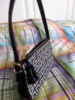 GIVENCHY daytime/evening Bag GO 0054- 45$ in perfect condition
