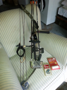 PSE NOVA HUNTER S8 LEFT-HANDED COMPOUND BOW AND ACCESSORIES