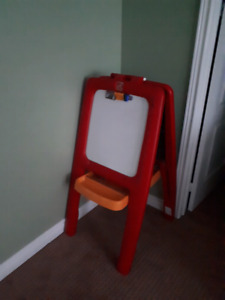 Easel for kids writing and drawing needs