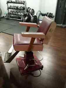 Vintage Belvedere hydraulic hair salon chair London Ontario image 2