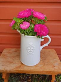 Fleur ceramic white jug