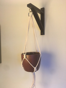 Macrame pot hanger (with hook and pot)