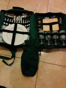 kitchen ware in backpack. prefect for picnics!