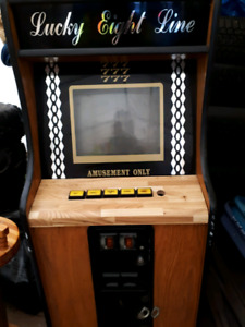 For Sale Lucky eight line Video game