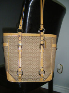NEW AUTHENTIC COACH LEATHER HANDBAG FOR SALE