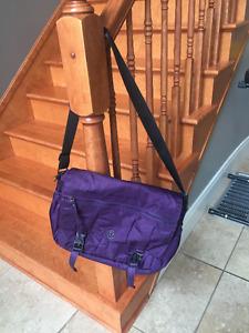 Lululemon Urban yogini messenger bag