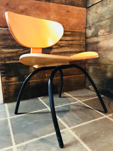 Chaise en bois style mid century eames