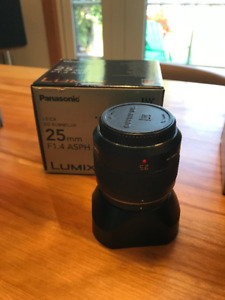 Panasonic Leica Summilux DG 25mm F1.4 - almost new