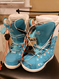 Thirtytwo women's snowboard boots size 7