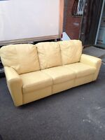 USED 3 seats COUCH IN BEIGE  LEATHER VERY COMFORTABLE 250$
