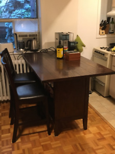Kitchen Island Table With Two Stools