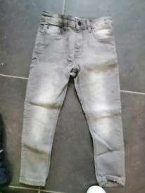 3x Boys Skinny jeans age 7