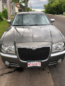 chrysler 300 limited 2010 only 124 k