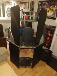 Corner Desk with Keyboard and mouse pad slide out shelf