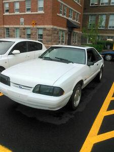 1992 Ford Mustang echange ou offrer