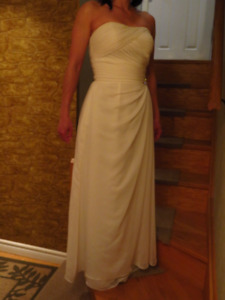 Wedding reception or evening gown size 5 to 6, for 5'2 to 5'6