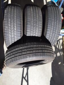 Four 225/65 R17 Michelin Defenders