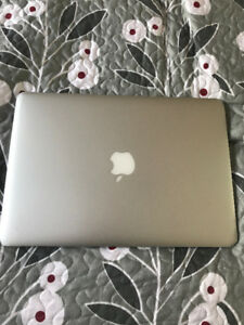 Early 2014 Macbook Air (Well-Used) *IN BOX*