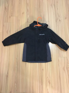 Brand New Columbia Light Rain Jacket Size 3T