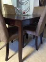 Beautiful wood Table- Excellent Shape