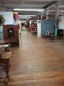 Shop Canada's largest antique mall 600 booths to explore  Kitchener / Waterloo Kitchener Area image 8