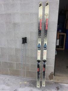 REDUCED!! 185cm Downhill Skis