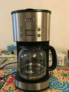 well-conditioned 12 cup coffemaker SELL!