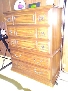 KROEHLER CHEST OF DRAWERS - VGC