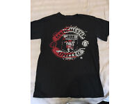 Manchester united t-shirt size men's small