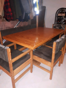 Kitchen Table With Bench And 4 Chairs Made By This End Up