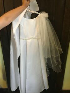 Beautiful dress for first communion or a wedding flower girl !!