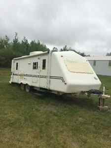 Vista Suntrek 27 foot pull behind holiday trailer