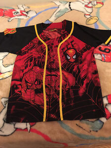 SPIDER MAN  Shirt size Medium