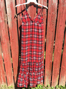 Plaid lined summer dress from FOREVER 21       So cute!!!!