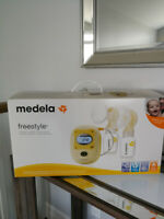Medela Freestyle Double Electric Pump with Accessories