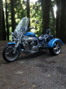 A one of a kind hyosung trike lots of fun,